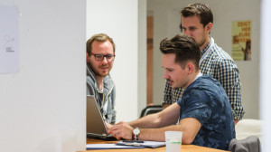Teamarbeit Laptop